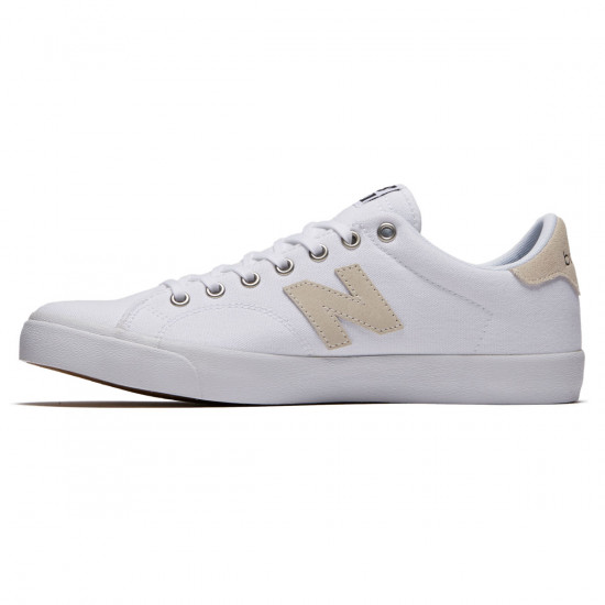 New Balance 210 Shoes - White/Black